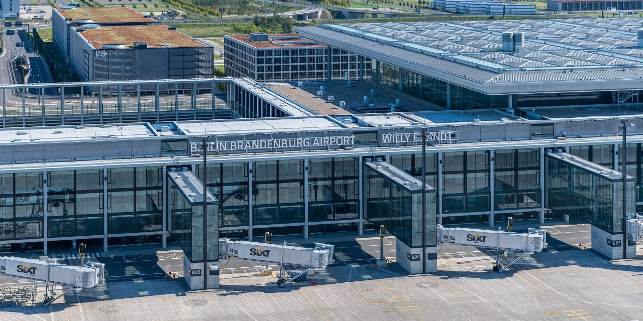 BRIDGES partners: Berlin Brandeburg Airport - aerial view departures