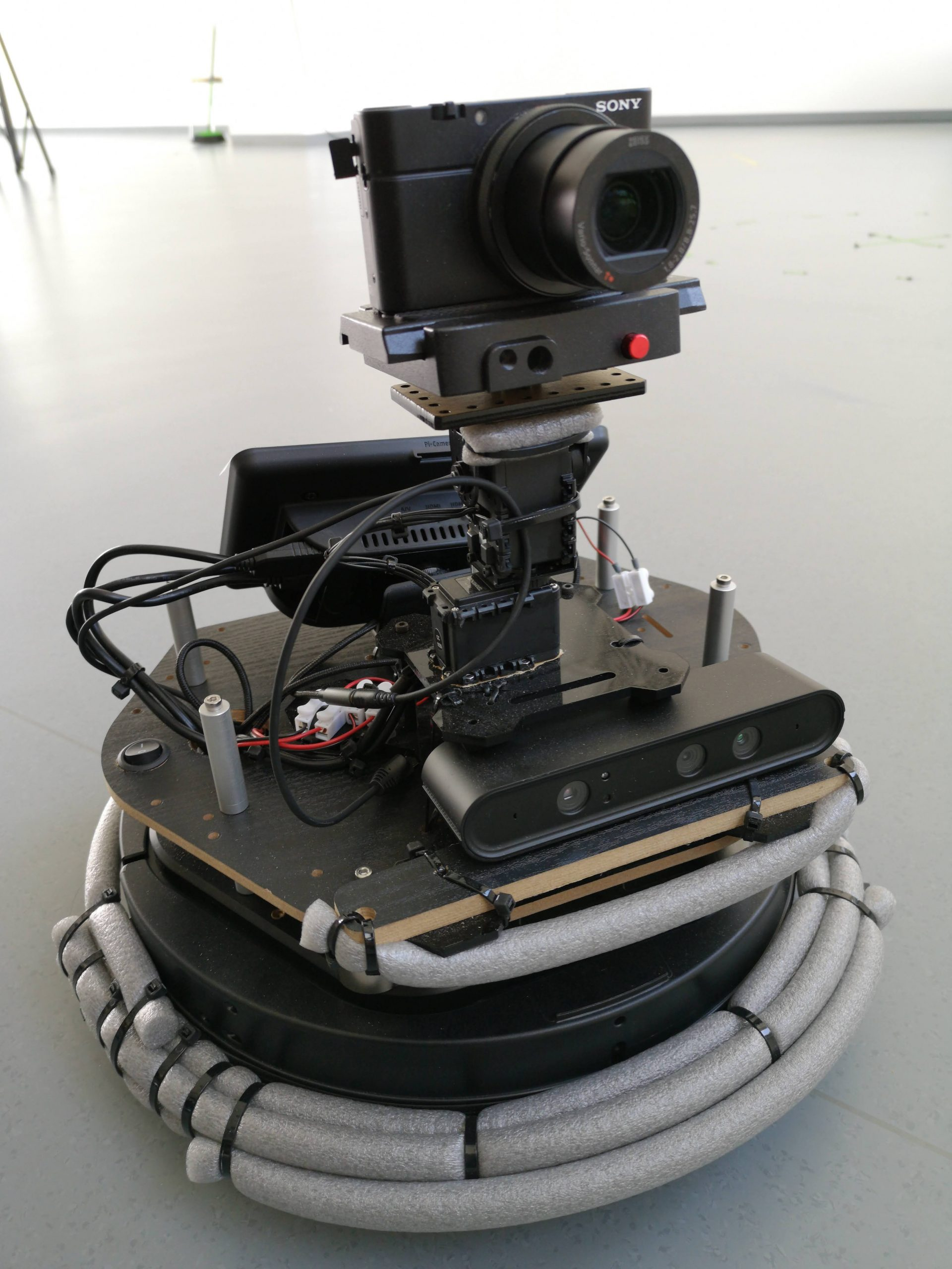 Robot for mapping process - XR environment construction